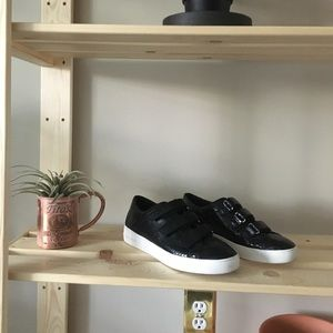 """Genuine leather """"snake"""" texture sneakers"""
